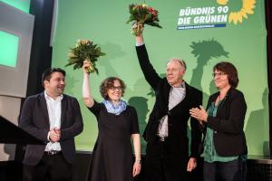 Julia Verlinden und Jürgen Trittin nach der Wahl auf die Liste der niedersächsischen Grünen zur Bundestagswahl 2017