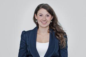 Dr. Julia Behrens ist seit 2012 Projektmanagerin bei der Bertelsmann Stiftung. Als promovierte Pädagogin befasst sie sich dort mit bildungspolitischen Fragen im Bereich Lebenslanges Lernen, Digitalisierung und gesellschaftliche Teilhabe.